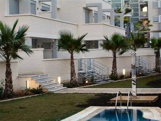 'Elegance' Paradise Apartments