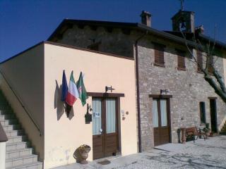 Domus Santa Croce Margherita, Gualdo Tadino
