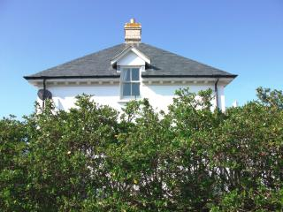Pentire House on Fistral Beach - a Georgian lodge house & south-facing garden