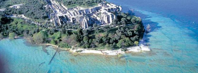 Grotte di Catullo, Villa romana