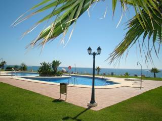 Apartamento en Playa de la Lucera, primera línea d, Sitio de Calahonda