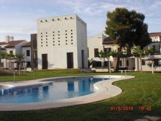 Casa en urbanización cerrada en un entorno tranqui, Alcossebre