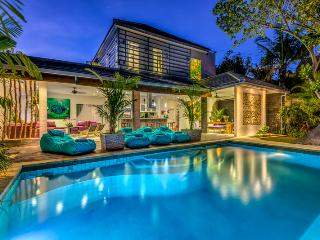 Amazing 4 bedroom Villa in Seminyak Close to Eat Street, Shop and Beach