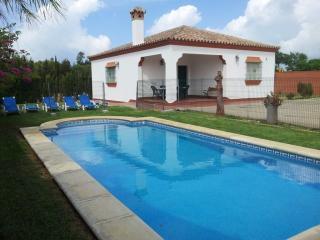 Chalet unifamiliar con piscina en Roche Viejo