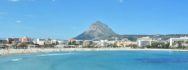 The Arenal beach with Mt. Móntgo in the background - Jávea