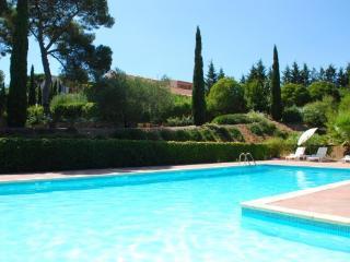 2 bedroom villa with pool in Domaine de Beaumont
