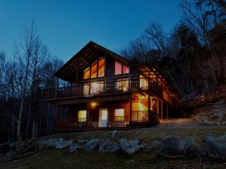Family 4/3.5 cabin in the Smokies - Deer Lodge, Townsend