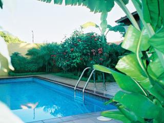 La Casa Amarilla - Outdoor swimming pool, parking, close to the beach, spacious