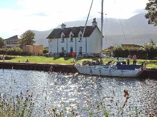 The Lock Keeper's Cottage-LOWER DECK, Banavie