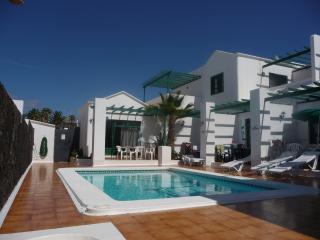Las Palmeras lll - Apartment 6, Puerto Del Carmen