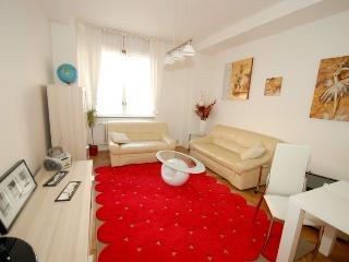 2 room flat 10min walking to Prague OldTown square