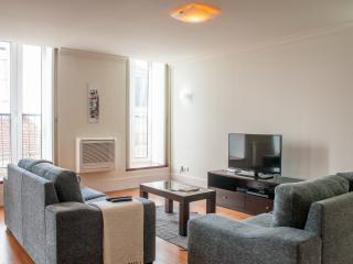 Chiado Apartments Camões Square 3 bedrooms, Lisbonne