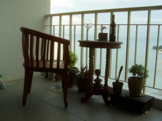 Beach Condo Holiday Letting., Batu Ferringhi