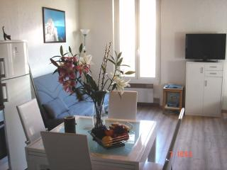 Amazing 1 Bed Apartment in the old town of Antibes