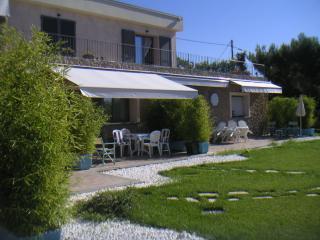 Villa Montefontane - Appartamento Gardenia con vista sulla costa azzurra