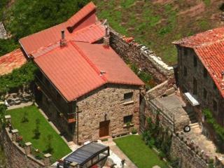 Casa Rural La Costanilla, Montenegro de Cameros