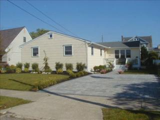 Comfortable Beach Home/Two Blocks from Beach 3390, Cape May