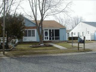Pet Friendly Village Green 92767, Cape May