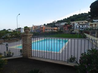 PATITIRI DOUBLE ROOM+POOL(n°1)near Savoca&Taormina