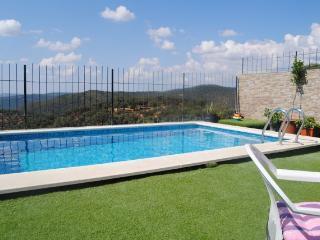 La Alvarada, casa ubicada por la zona de Aracena, Huelva