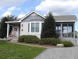 PET FRIENDLY Cozy Cottage 92459, Cape May