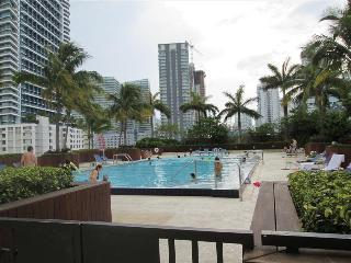MIAMI: Two Bedroom Luxury Suite in Downtown Brickell, Miami
