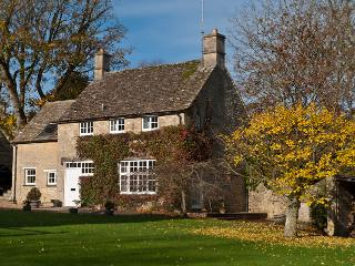 Lower Barn Cottage, Cotswolds, near Bibury, Cirencester