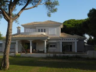 Beautiful Villa Near the Beach and Golf Clubs, Chiclana de la Frontera