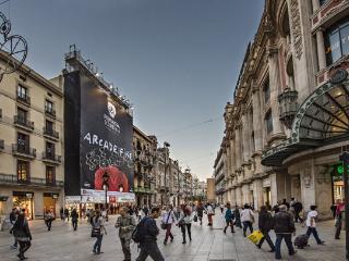 Our glorious square, Portal de l'Angel!!
