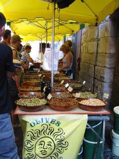 Bustling Caussade market - 15 minutes' drive