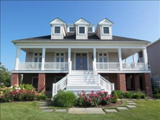 BEAUTIFUL HOME TWO BLOCKS TO BEACH 71679, Cape May