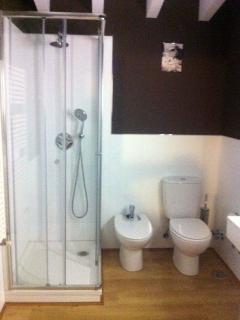 baño dormitorio principal vivienda 3 habitaciones
