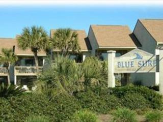 Blue Surf 19, Super townhouse, just across the street from the beach!, Destin