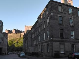 3 bed Grindlay Street apt., Edimburgo