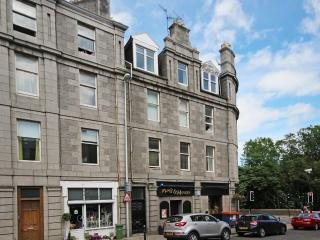 Central Top Floor Aberdeen Flat