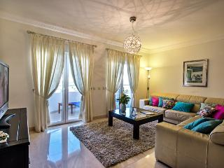 Luxury 3 bed apt central Lagos 167m' very spacious