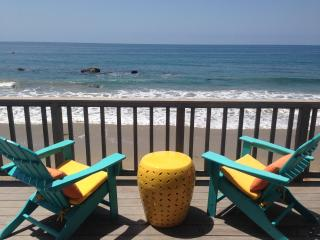 Malibu Oceanfront 3bd/2ba on the SAND!, Malibú
