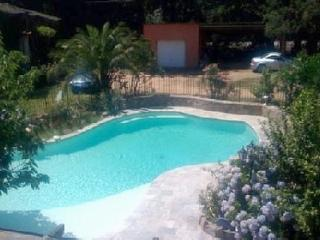 Charming house in Lecci with 3 bedrooms, swimming pool and terrace