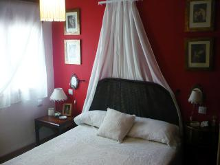 Charming Andalusian apartment  (minimum 6 nights), Estepona