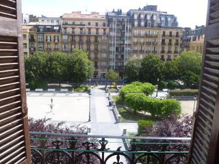 Nice views! Center & shopping! FREE WIFI and TEE, San Sebastián - Donostia
