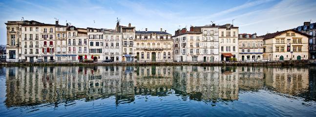 Bayonne et la Nive: quartier des restaurants et des bars
