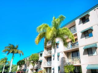 FALL SPECIALS! Ground Floor Condo just steps from Kamaole Beach Park, Kihei
