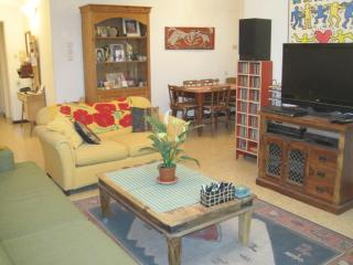 Best Located APT in Tel Aviv by Dizengoff Centre