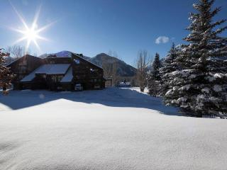 Single-level condo near skiing and golf!, Ketchum