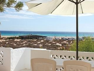 Villa directly on Most Photographed Beach on Island. Wifi, Costa Calma