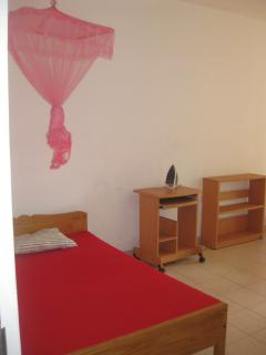 Spacious double rooms with 2 beds