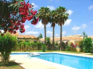 2 bedroom Bungalow with pool, Los Alcazares