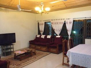 2 En-suite Room for Holiday Rental, Accra