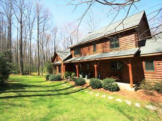 Cabin Creek is a spectacular 5 bedroom log cabin, secluded with privacy gate., Blowing Rock