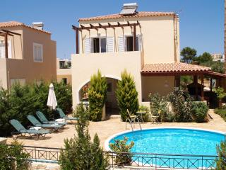 Villa Alexandra. 2 bedrooms, private pool, 250m to beach & tavernas in Almyrida.